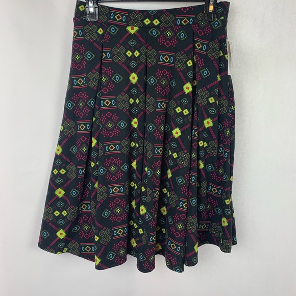 LuLaRoe Dresses & Skirts - Lularoe Madison Skirt Small Black Pink Geometric